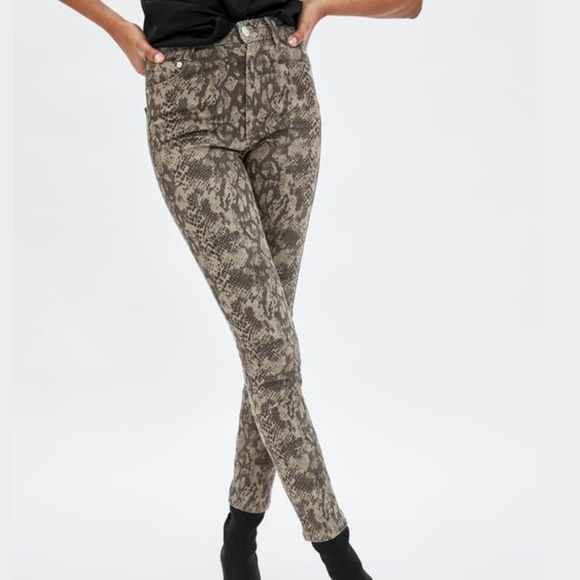 elegant in style special promotion luxury ☀️SALE Zara Snake Print High Waisted Skinny Jeans